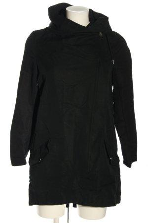 Bershka Kurtka z kapturem czarny W stylu casual