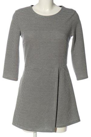 Bershka Kurzer Jumpsuit black-white abstract pattern casual look