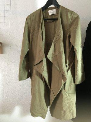 Bershka Veste longue vert olive tissu mixte
