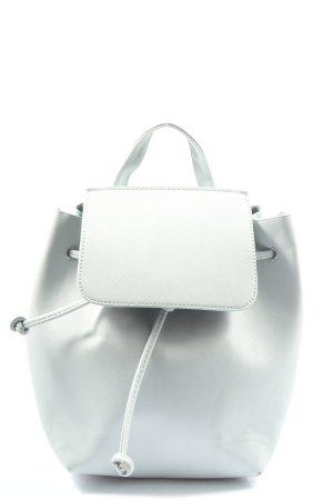 Bershka  bianco modello web stile casual