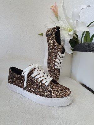 Bershka Plateau Sneakers in Gr. 36