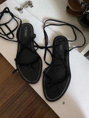 Bershka High-Heeled Toe-Post Sandals black