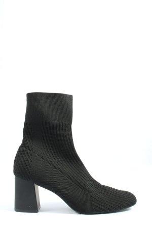 Bershka Wciągane buty za kostkę czarny W stylu casual