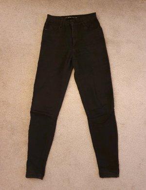 Bershka schwarze Jeanshose