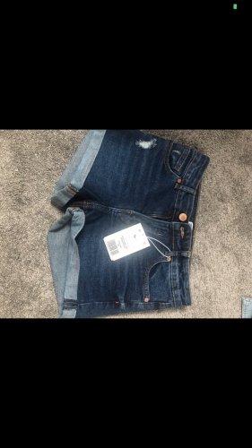 Bershka Shorts Jeansshorts blau neu