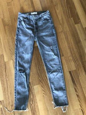 BERSHKA°Skinny High Rise Jeans° grau°Risse°Gr. 38°wie neu/ kaum getragen