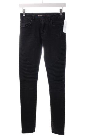 Bershka Slim Jeans schwarz Logo-Applikation aus Leder