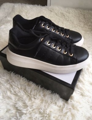 Bershka Sneaker