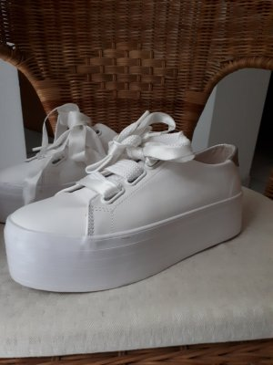 Bershka Heel Sneakers white mixture fibre