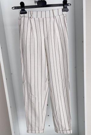 Bershka - Stoffhose in Weiß mit Schwarzen Streifen