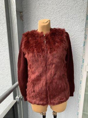 Bershka Fake Fur Vest carmine-bordeaux