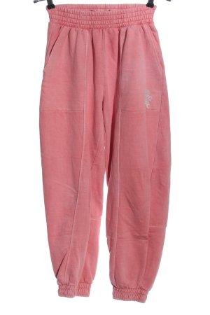 Bershka Pantalón deportivo rojo-gris claro estampado temático look casual