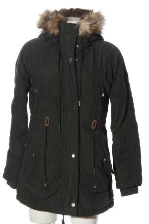 Bershka Kurtka zimowa khaki W stylu casual