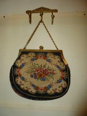 Bestickte Vintagetasche