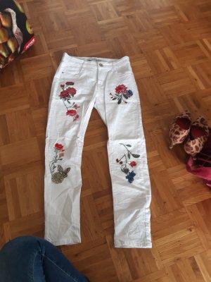 Bestickte weiße Hose