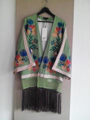 Bestickter Kimono in mint mit Fransen und Weiten Ärmeln, Größe S-M, neu