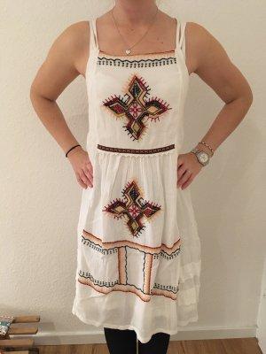 Besticktes Kleid von Zara