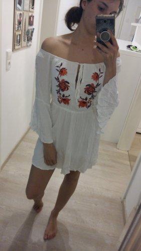 besticktes Sommerkleid