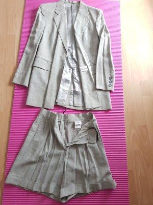 Betty Barclay - Eleganter femininer Damen-Anzug mit Blazer Gr. 38 und Kurzhose  Gr. 36