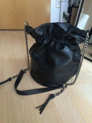 Beuteltasche von Zara in Schwarz