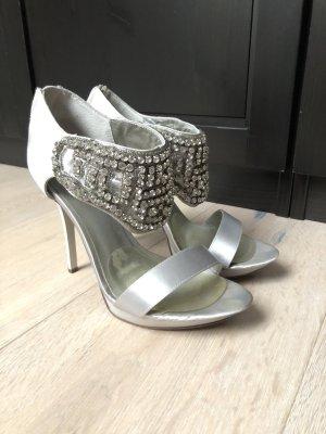 Bezaubernde Sandaletten von MENBUR - nur 1 x getragen!