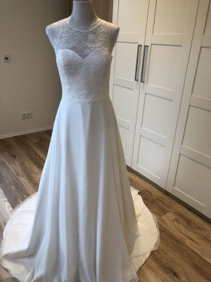 Bianco Evento Wedding Dress cream