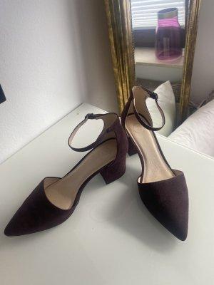 Bianco Pointed Toe Pumps brown violet suede