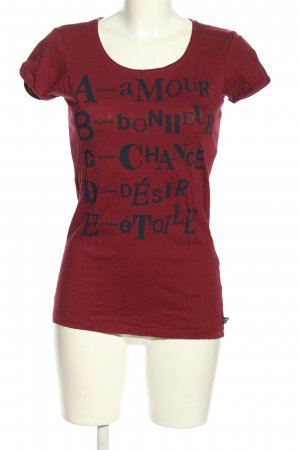 bien bleu T-shirt rood-zwart gedrukte letters casual uitstraling