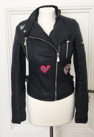 Biker Jacke aus Kunstleder mit Patches NEU