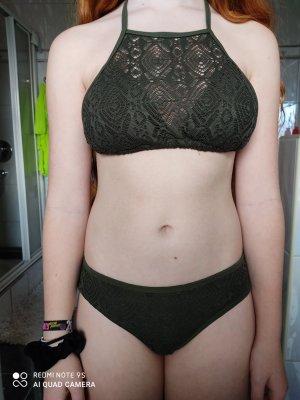 New Yorker Bikini verde bosque-caqui
