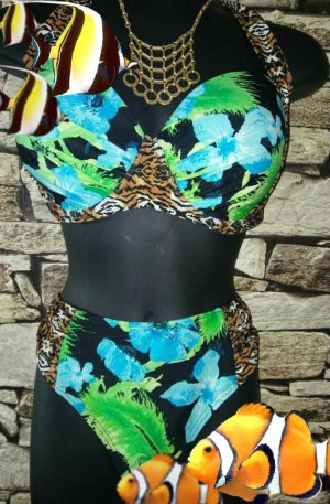 Bikini  Im modischen Tropic Design 42 E