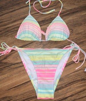Bikini in neon Farben