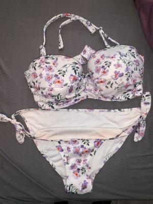 Bikini mit Blumenmuster