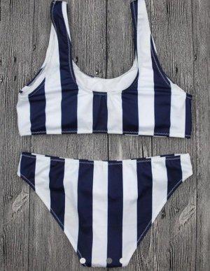 Bikini blu-bianco
