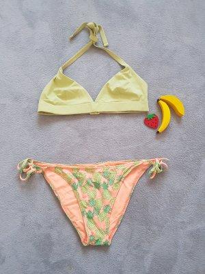 Bikini von Victoria Secret und Oyscho