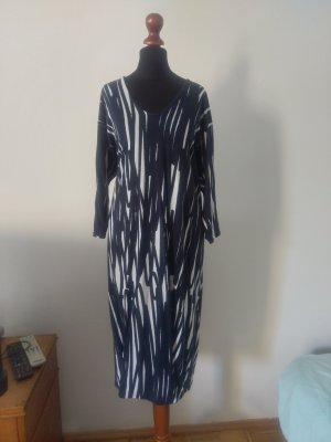 Bildschönes Kleid von ASOS in navy blue und weiß!