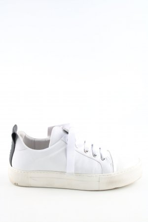 Billi Bi Zapatilla brogue blanco look casual