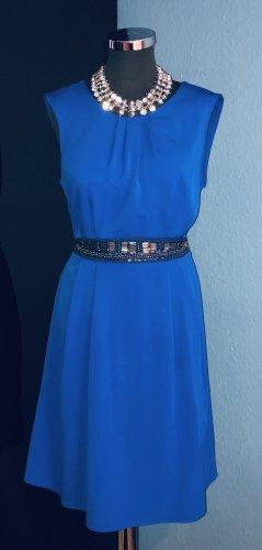 Billie & Blossom Szyfonowa sukienka czarny-niebieski