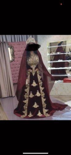 Abito da sposa bordeaux-oro
