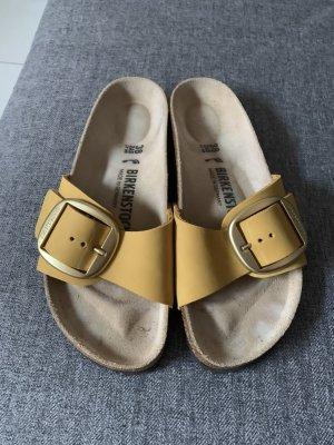Birkenstock Comfortabele sandalen sleutelbloem-goud