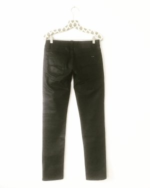 black denim • nudie jeans • schwarze jeans • hippielook • rockstars