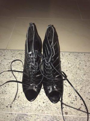 Zara Tacones con cordones negro