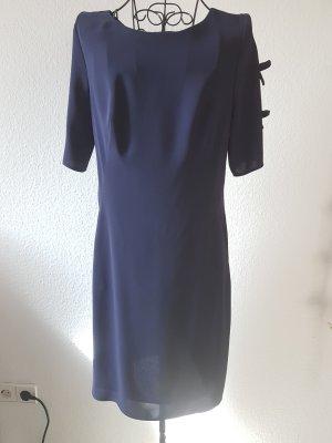Black Label Kleid mit schönen Details