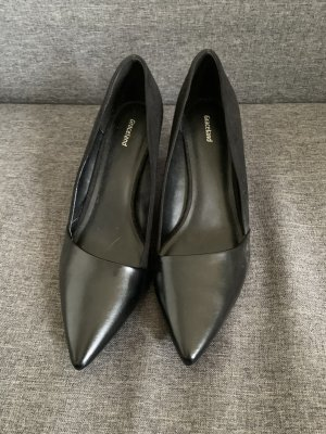 Black office shoes