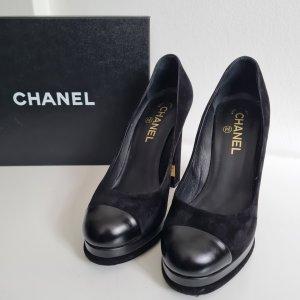 Black Platform Pumps with golden CC engraved plaquette - Chanel