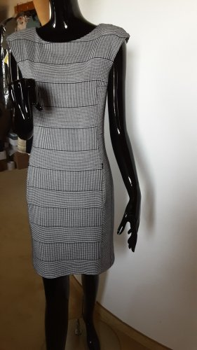 Blacky Dress Sukienka etui biały-czarny