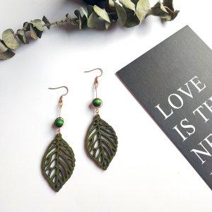 Blätter aus Holz Chandelier Winter Ohrringe dunkel Grün vintage handgemacht neu