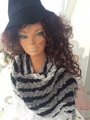MAD in  Italy Fringed Scarf black-white