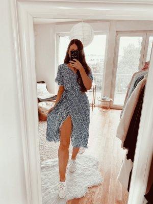 Kopertowa sukienka stalowy niebieski-chabrowy