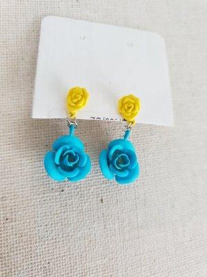 Ear stud yellow-cornflower blue